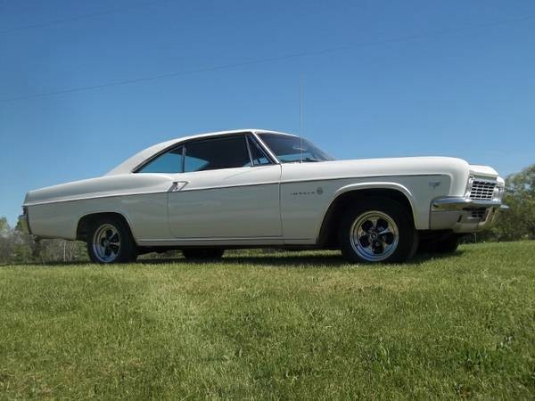 Used 1966 Chevrolet Impala GREAT DRIVER QUALITY-- VERY NICE FASTBACK   Mundelein, IL