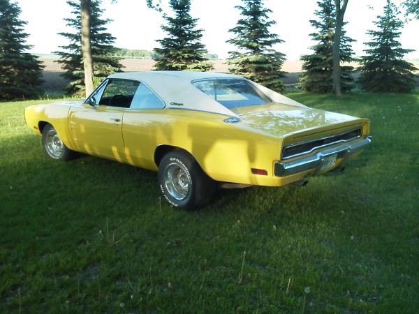 Used 1970 Dodge Charger CURIOUS YELLOW | Mundelein, IL