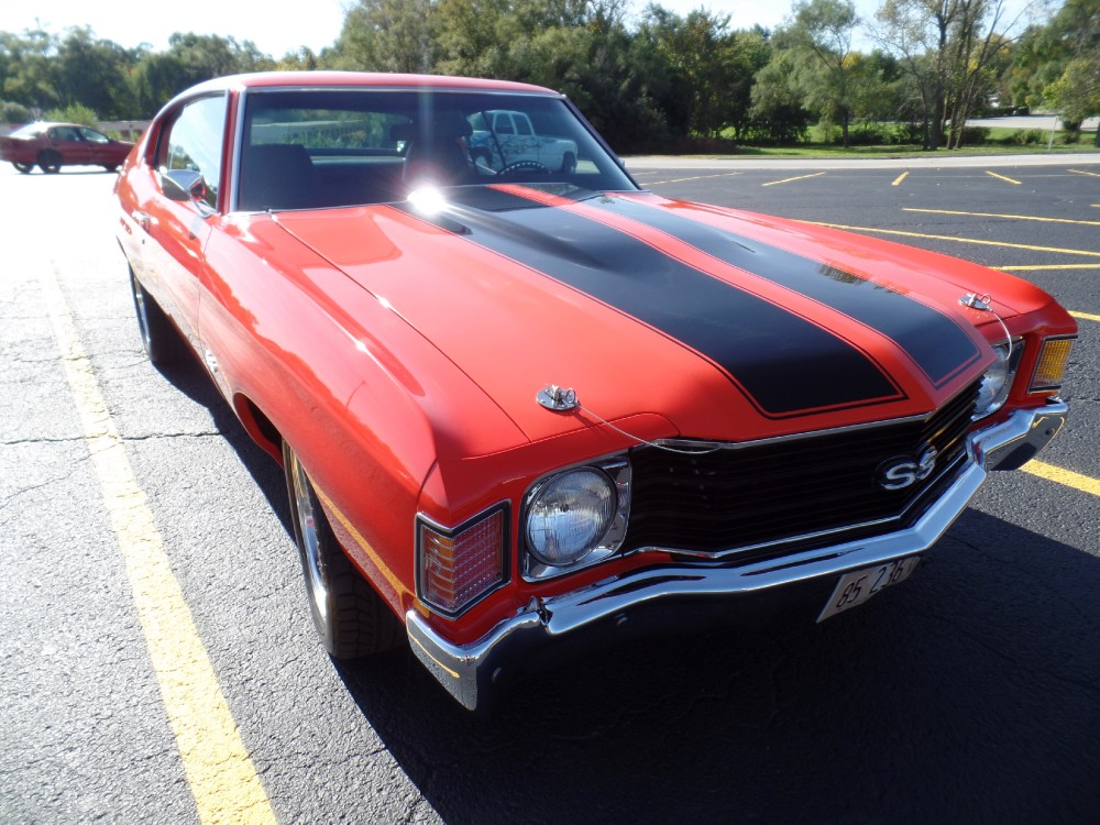 Used 1972 Chevrolet Chevelle HUGGER ORANGE WITH AC-DREAM MACHINE-TOTALLY RESTORED-SEE VIDEO | Mundelein, IL