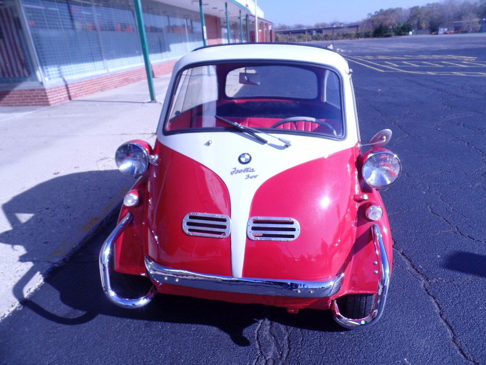 Used 1957 BMW Isetta 300. RARE HARD TO FIND GREAT COLLECTIBLE INVESTMENT. | Mundelein, IL