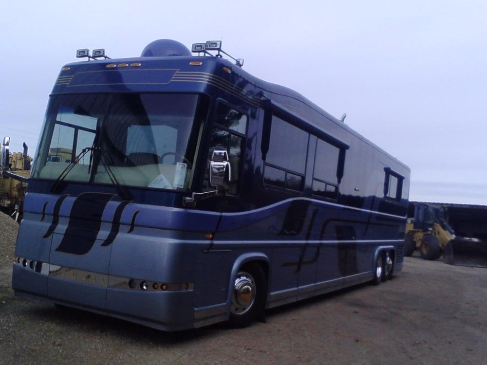 Used 2003 Newel Custom Luxury on wheels-NEW LOW PRICE | Mundelein, IL