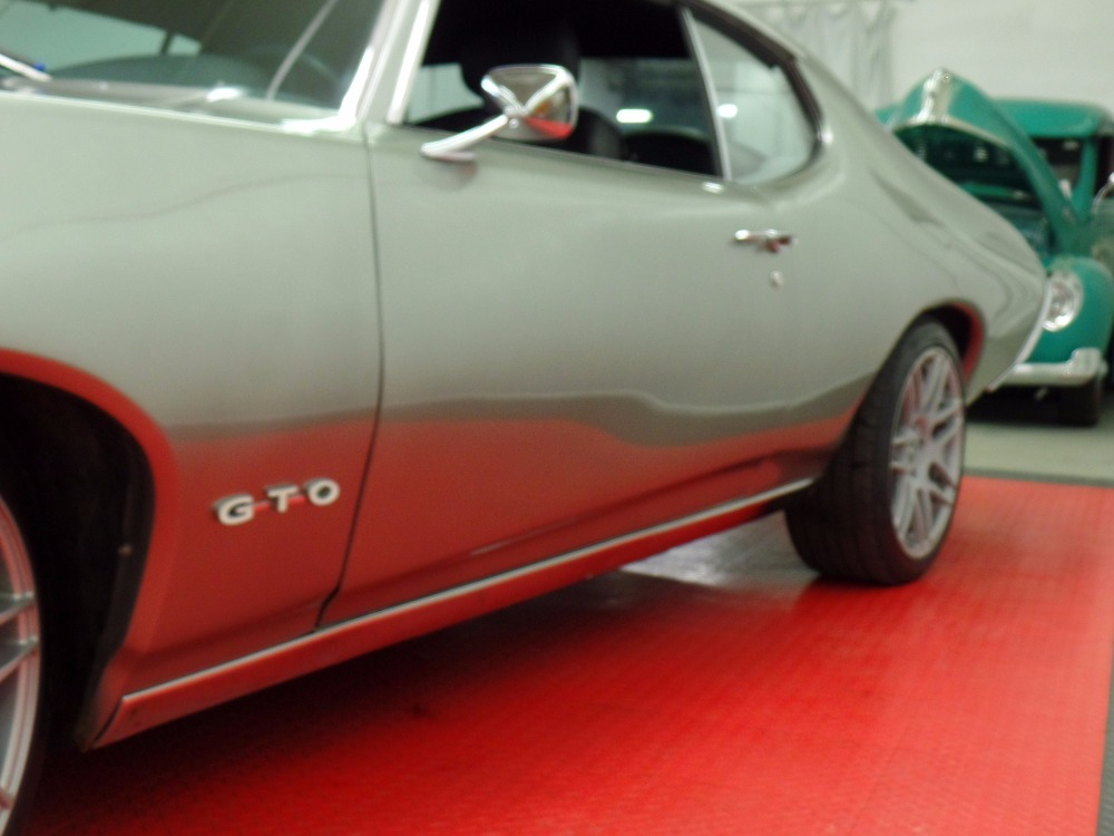 Used 1969 Pontiac GTO -WOW- NEW LOW PRICE !!! - One of a kind!-REAL PRO TOURING-GTO   Mundelein, IL