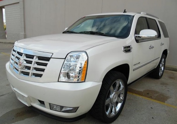 Used 2010 Cadillac Escalade LUXURY HYBRID AWD-LOW MILES FROM TEXAS | Mundelein, IL