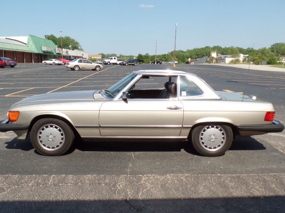1989 mercedes benz 560sl well maintained see video stock for Garage mercedes bron