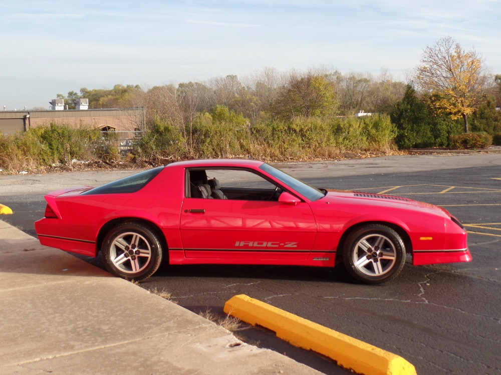 1987 chevrolet camaro very solid iroc z new paint sweet. Black Bedroom Furniture Sets. Home Design Ideas