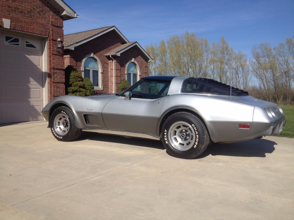 Used 1978 Chevrolet Corvette - WELL MAINTAINED 4-SPEED VETTE- | Mundelein, IL