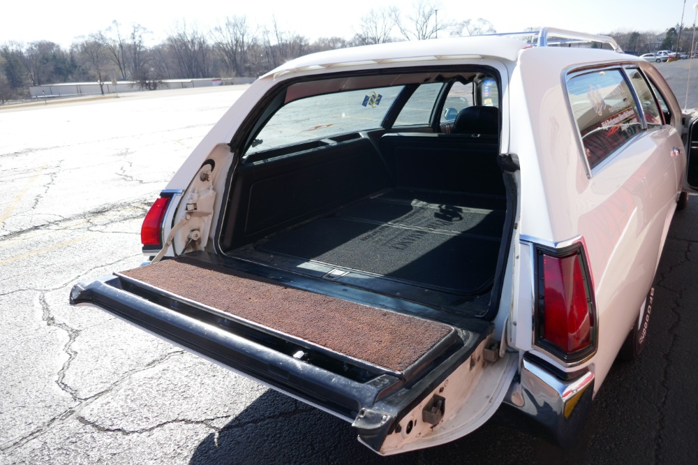 Used 1971 Dodge Coronet -CRESTWOOD WAGON- RARE - 1 OF 4 EVER BUILT- 9 PASSENGER SEATING- SEE VIDEO | Mundelein, IL
