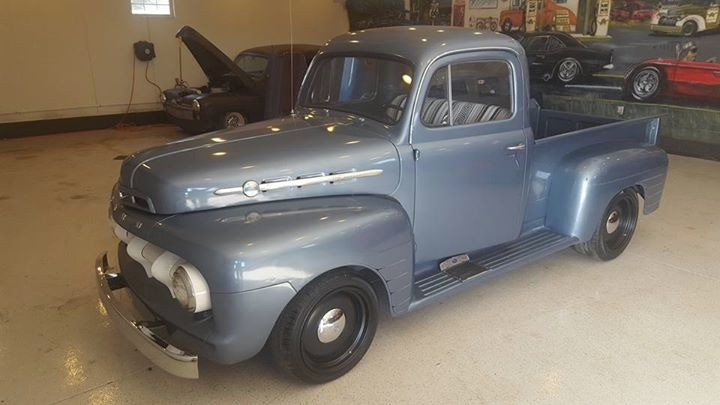 1951 Ford Pickup - SHORT WHEEL BASE STEPSIDE - FLATHEAD V8- Stock
