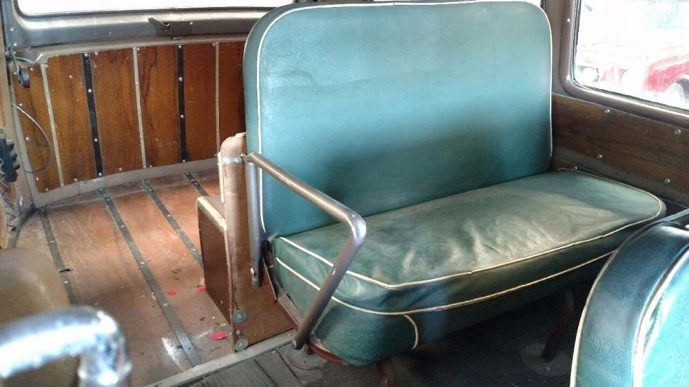 Used 1952 Chevrolet Suburban -2-DOOR CARRYALL-RARE ORIGINAL SEATS-FLORIDA CLASSIC | Mundelein, IL