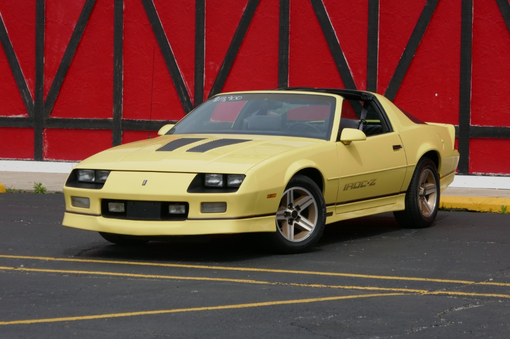 1987 chevrolet camaro priced to sell iroc z 5 speed manual. Black Bedroom Furniture Sets. Home Design Ideas