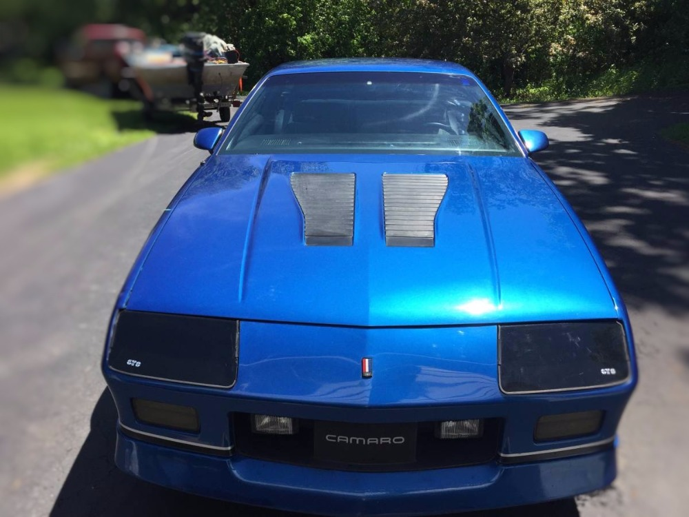 Used 1986 Chevrolet Camaro -IROC Z28- WELL MAINTAINED 305 V8-5-SPEED- | Mundelein, IL
