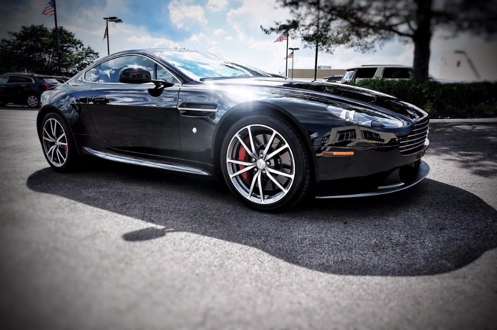 Used 2013 Aston Martin Vantage -4.7 L V8/ 6-SPEED MANUAL - COUPE W/ LOW MILES | Mundelein, IL