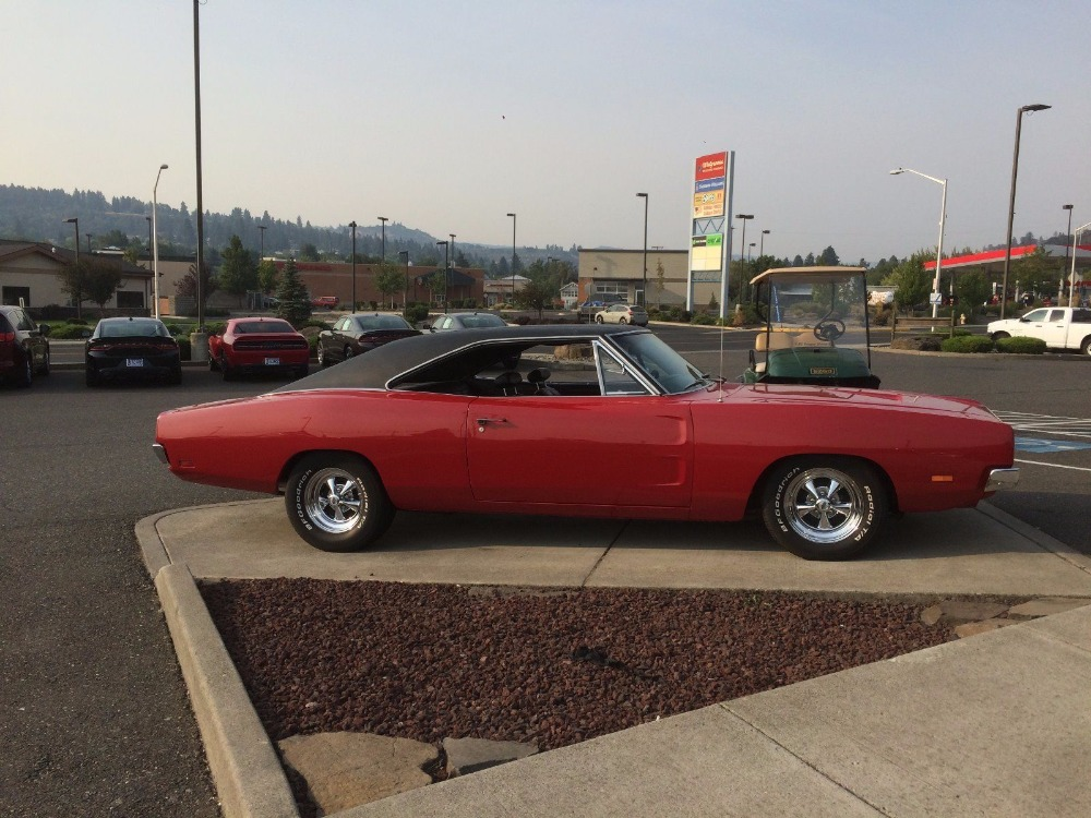Used 1969 Dodge Charger -RUST FREE BIG BLOCK WITH RARE 4 SPEED-FROM COLORADO-NICE CONDITION-   Mundelein, IL