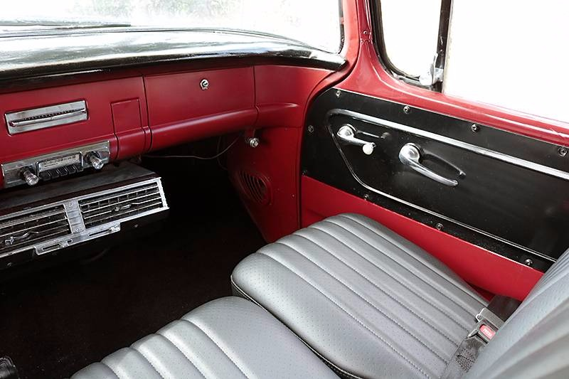 Used 1956 GMC Suburban -DELUXE 100 SERIES-CALIFORNIA CLASSIC-WITH LOW MILES-RESTORED CONDITION- | Mundelein, IL