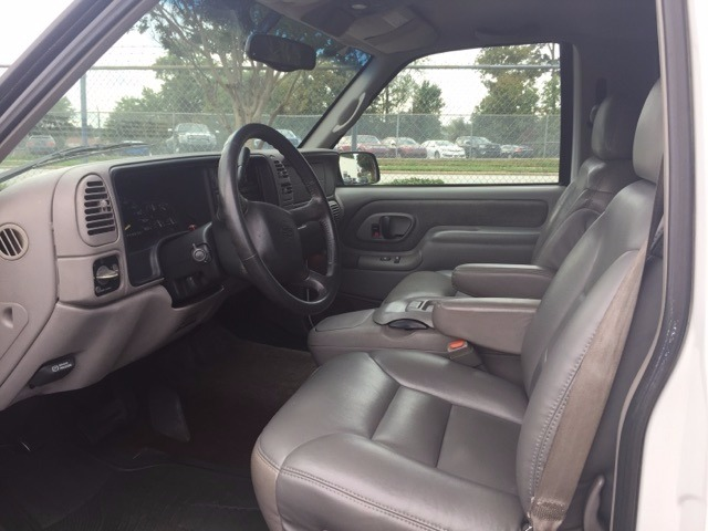 Used 1998 Chevrolet Tahoe  4 WHEEL DRIVE SUV LEATHER INTERIOR FROM NORTH  CAROLINA