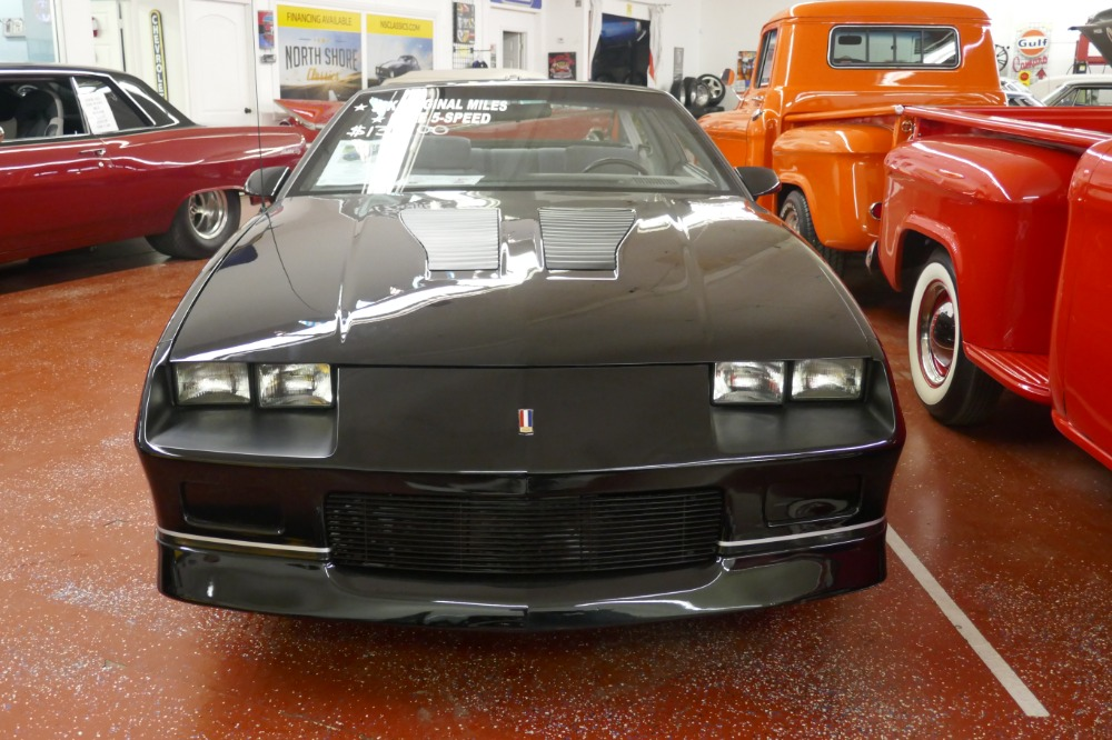1985 chevrolet camaro iroc z28 t tops 5 spd low miles see video stock 1712045nsc for sale. Black Bedroom Furniture Sets. Home Design Ideas