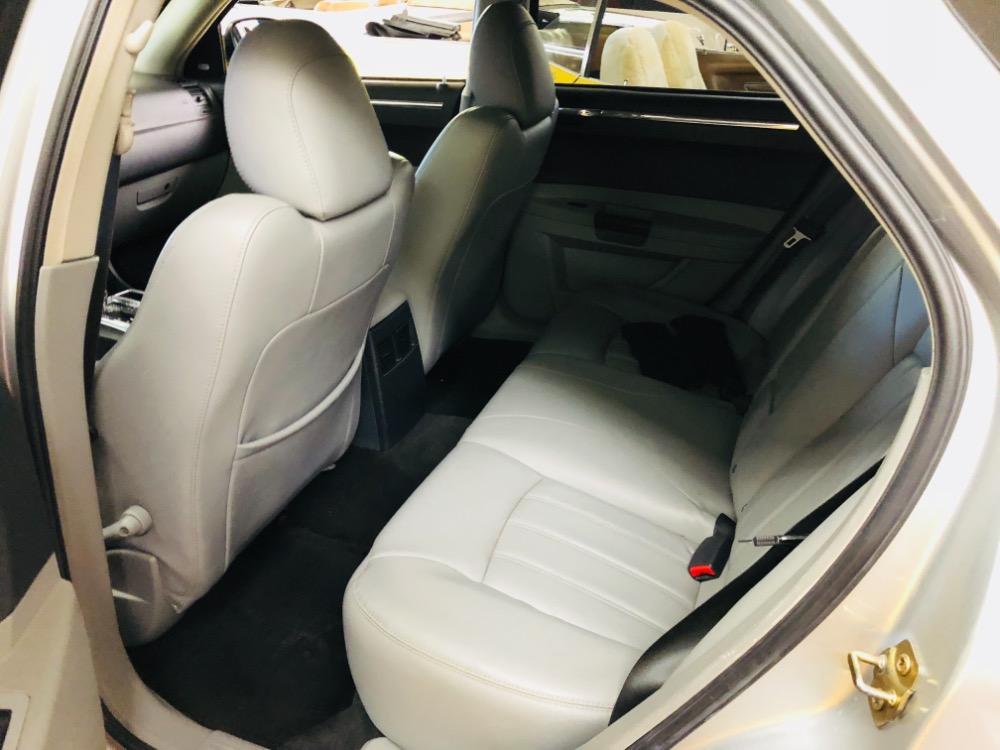Used 2006 Dodge Magnum -AWD- 300C STYLING- 5.7 L HEMI - WAGON | Mundelein, IL