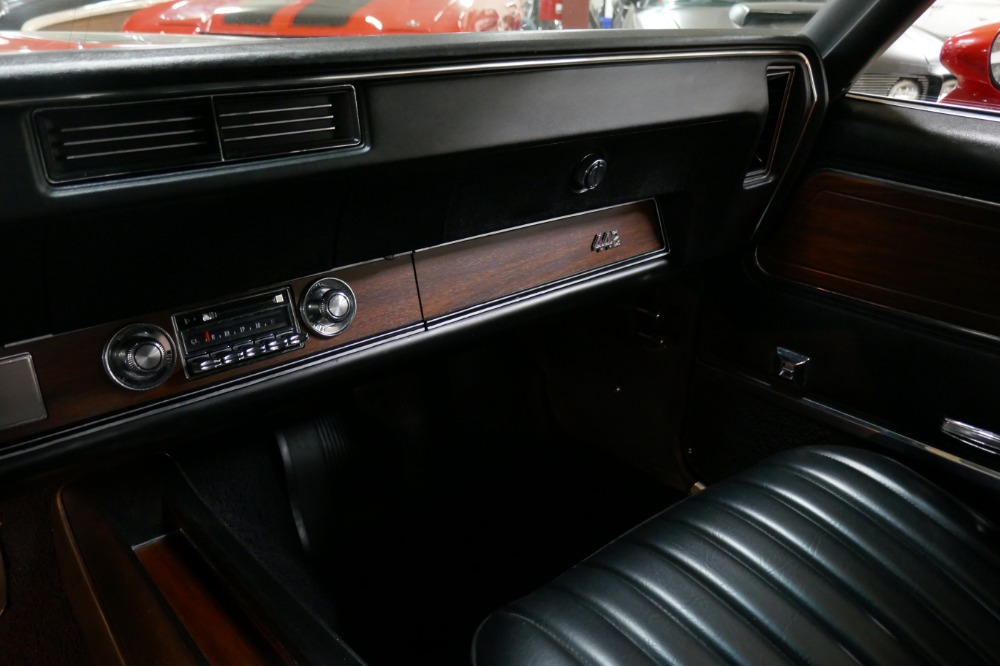 Used 1972 Oldsmobile 442 -W30 CODE CONVERTIBLE- 1 OF 113 EVER BUILT-NUMBERS MATCHING- | Mundelein, IL