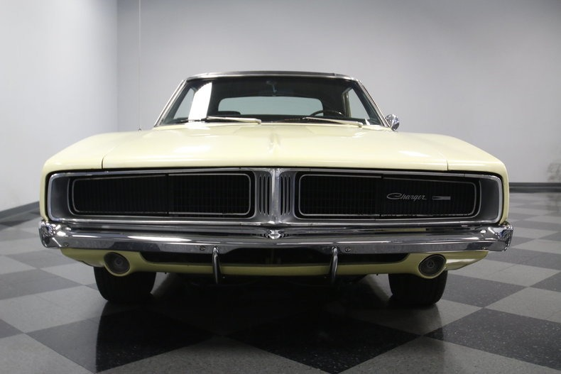Used 1969 Dodge Charger -NUMBERS MATCHING 383-FACTORY CORRECT SUN FIRE YELLOW-   Mundelein, IL