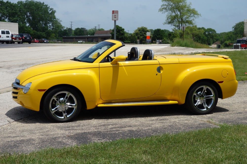Used 2005 Chevrolet SSR -CONVERTIBLE - 390HP WITH 405 LB FT TORQUE- SEE VIDEO   Mundelein, IL