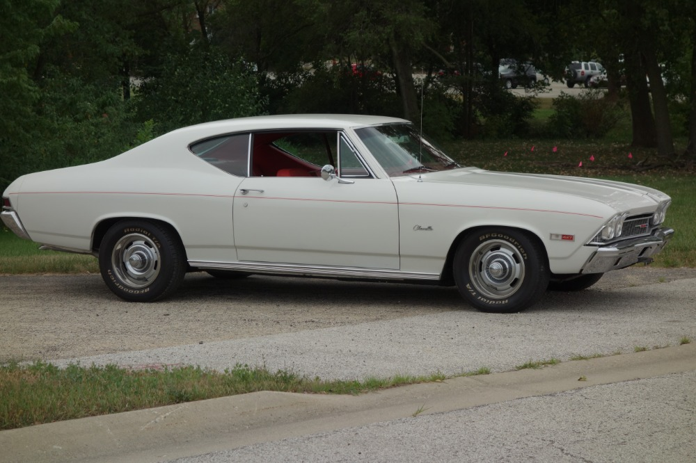 Used 1968 Chevrolet Chevelle -DELUXE 300-LUXURY GENTLEMANS CHEVELLE-RESTORED-OVERDRIVE/AC- SEE VIDEO | Mundelein, IL