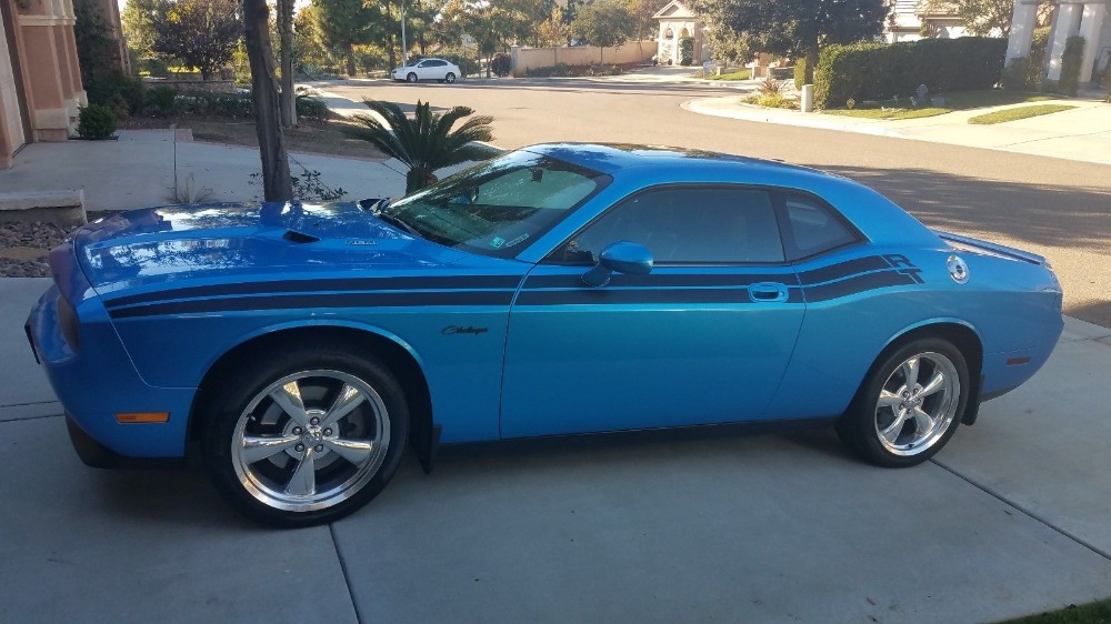 Used 2010 Dodge Challenger -SUNROOF-R/T STRIPE -5.7 HEMI-3 OWNER CAR FROM CA- | Mundelein, IL