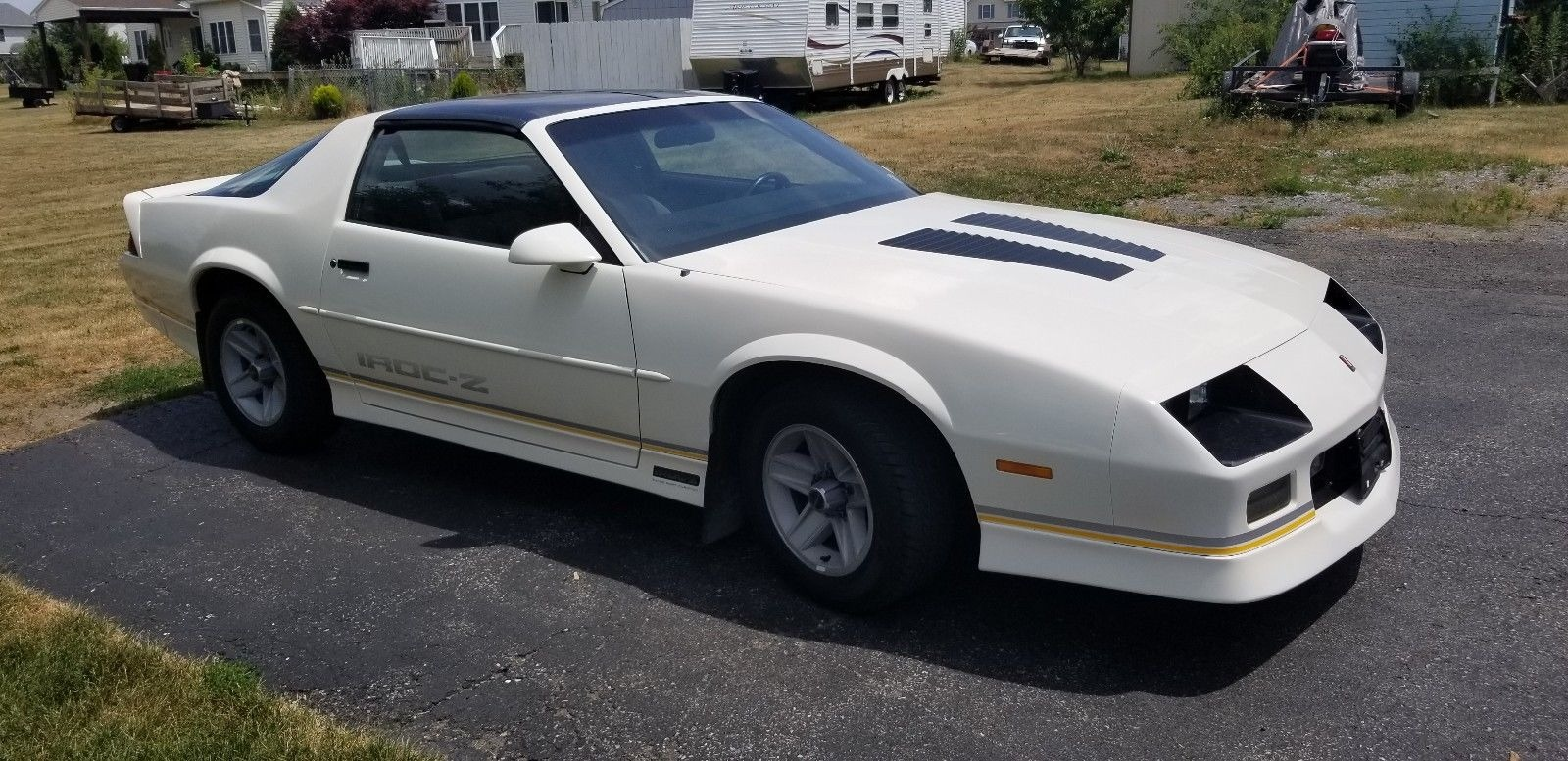 Used 1988 Chevrolet Camaro -IROC Z-CLEAN 2DOOR HATCHBACK-1 OWNER VEHICLE-CLEAN CARFAX- | Mundelein, IL