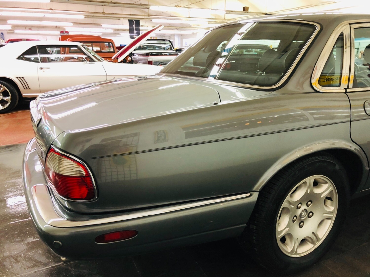 Used 2003 Jaguar XJ-Series -BUY WITH CONFIDENCE-2 OWNER - LOW MILES - SEE VIDEO | Mundelein, IL