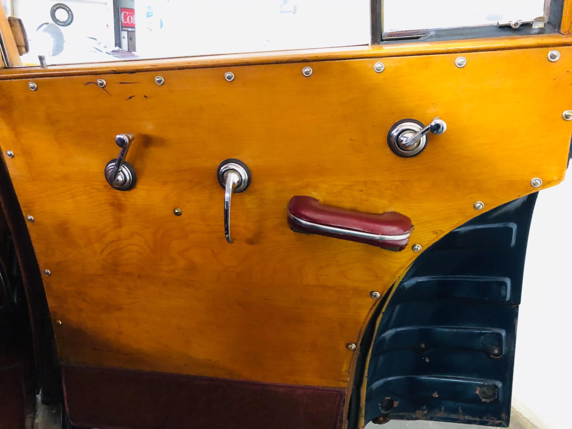 Used 1947 Buick Roadmaster -ESTATE WAGON - SUPER RARE WOODY - MECHANICALLY SOUND - FIREBALL 8 ENGINE | Mundelein, IL