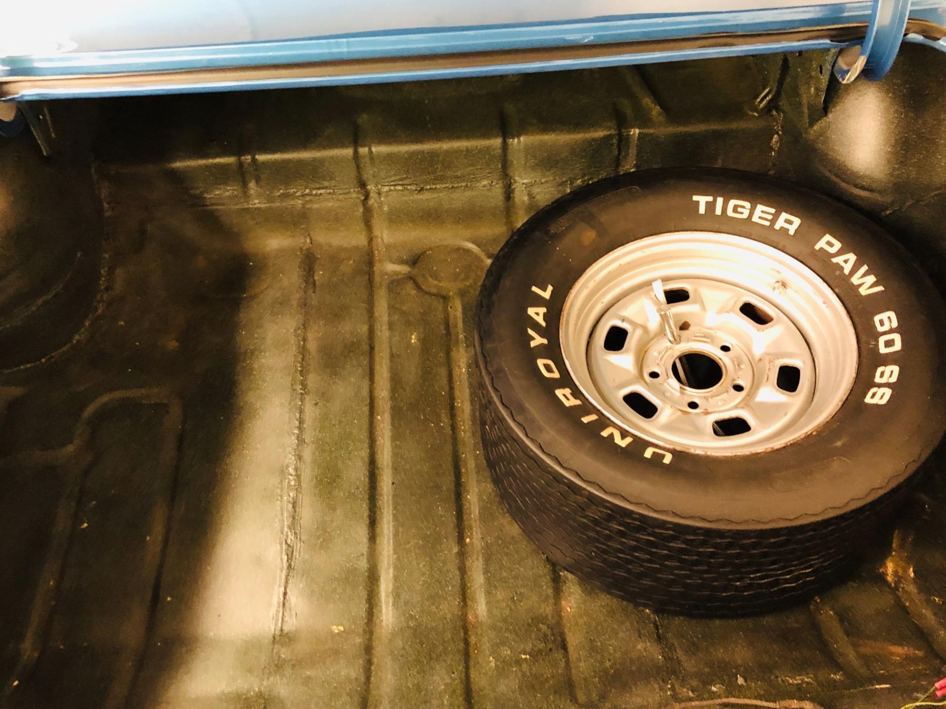 Used 1966 Chevrolet Chevelle - 300 DELUXE SEDAN - 350 V8 ENGINE - SEE VIDEO | Mundelein, IL