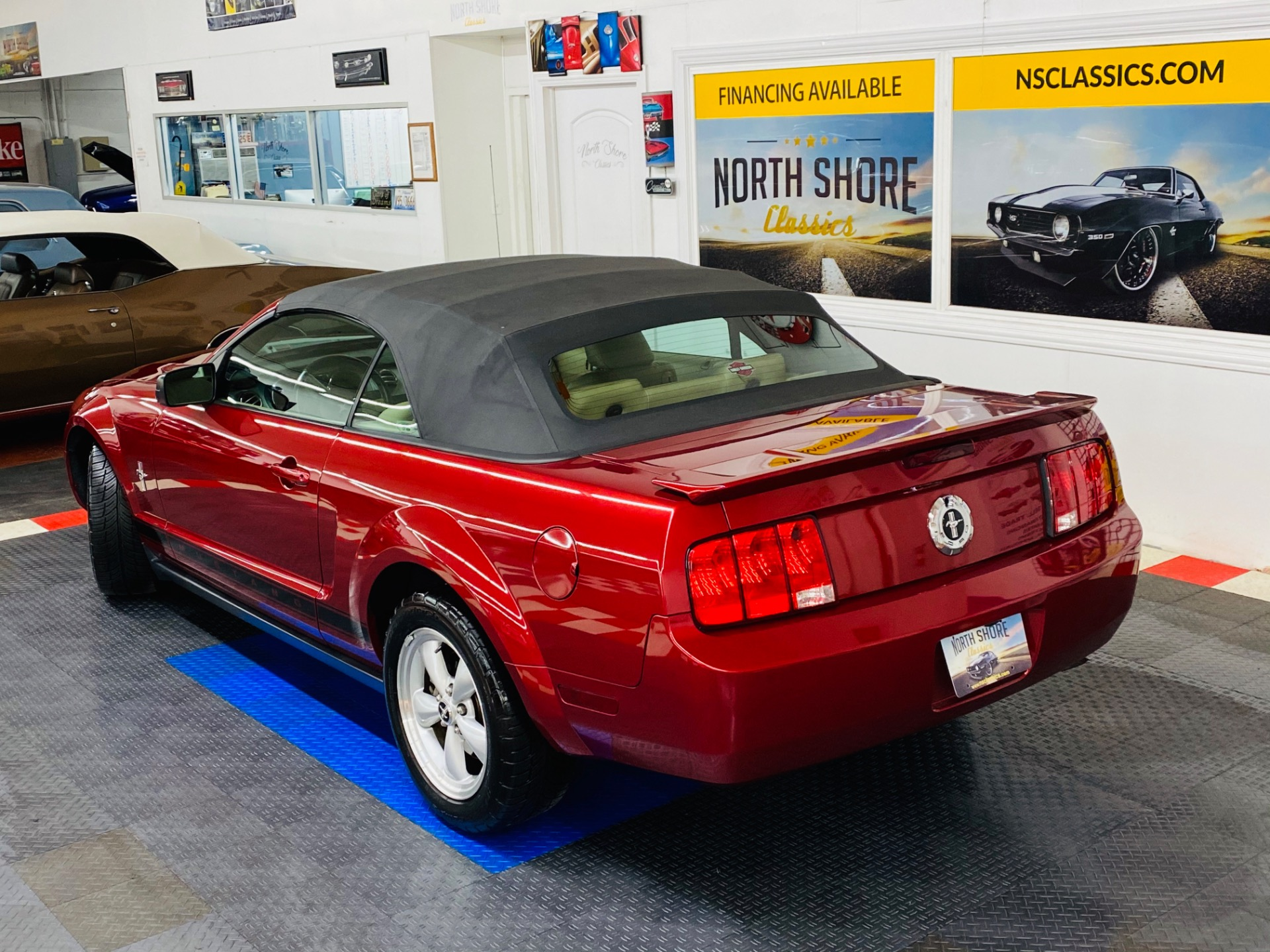Used 2007 Ford Mustang V6 Deluxe | Mundelein, IL