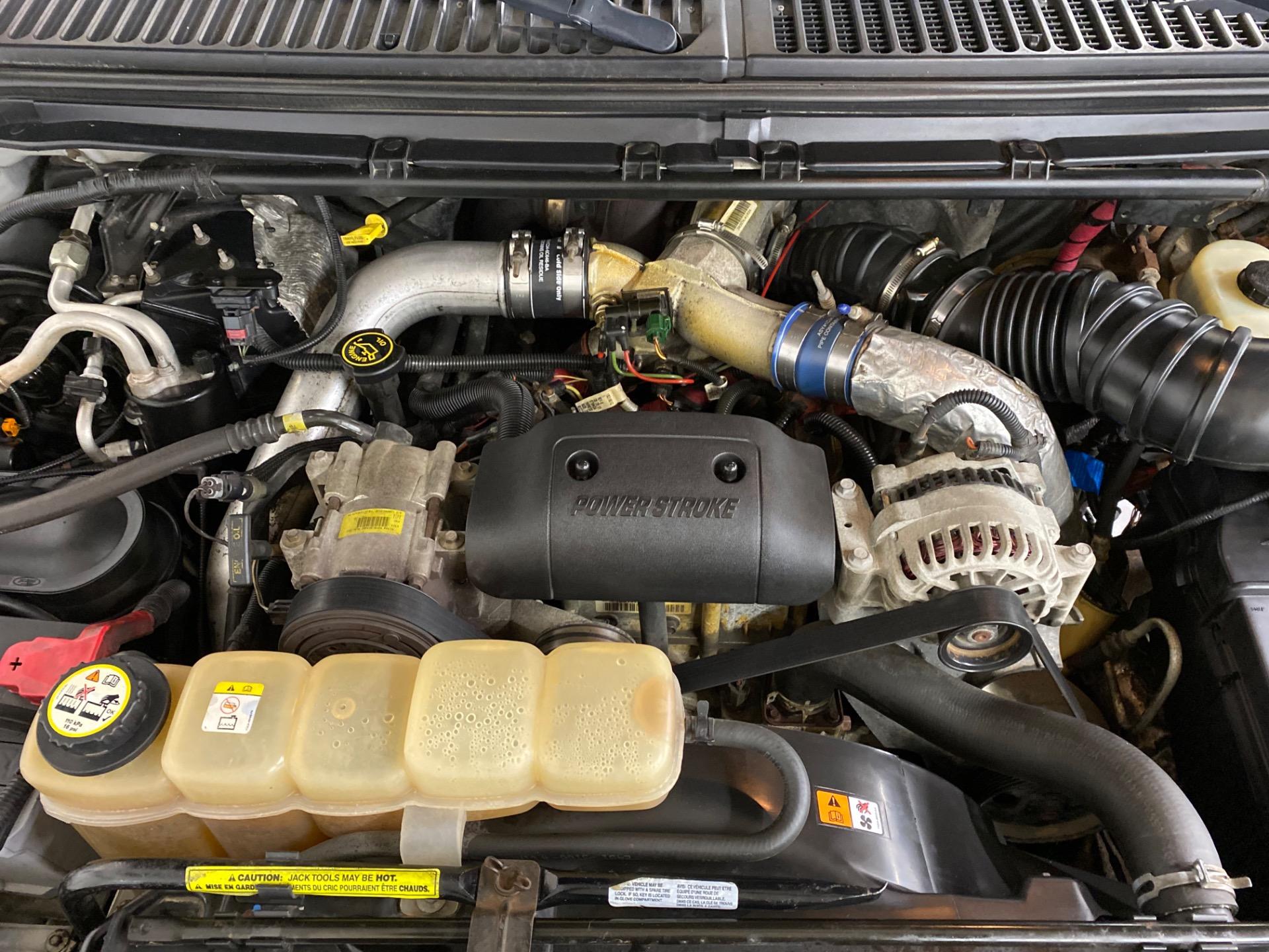 Used 2002 Ford F-250 Super Duty - LARIAT - 7.3L DEISEL - 4X4 CREW CAB - SUPER CLEAN -   Mundelein, IL