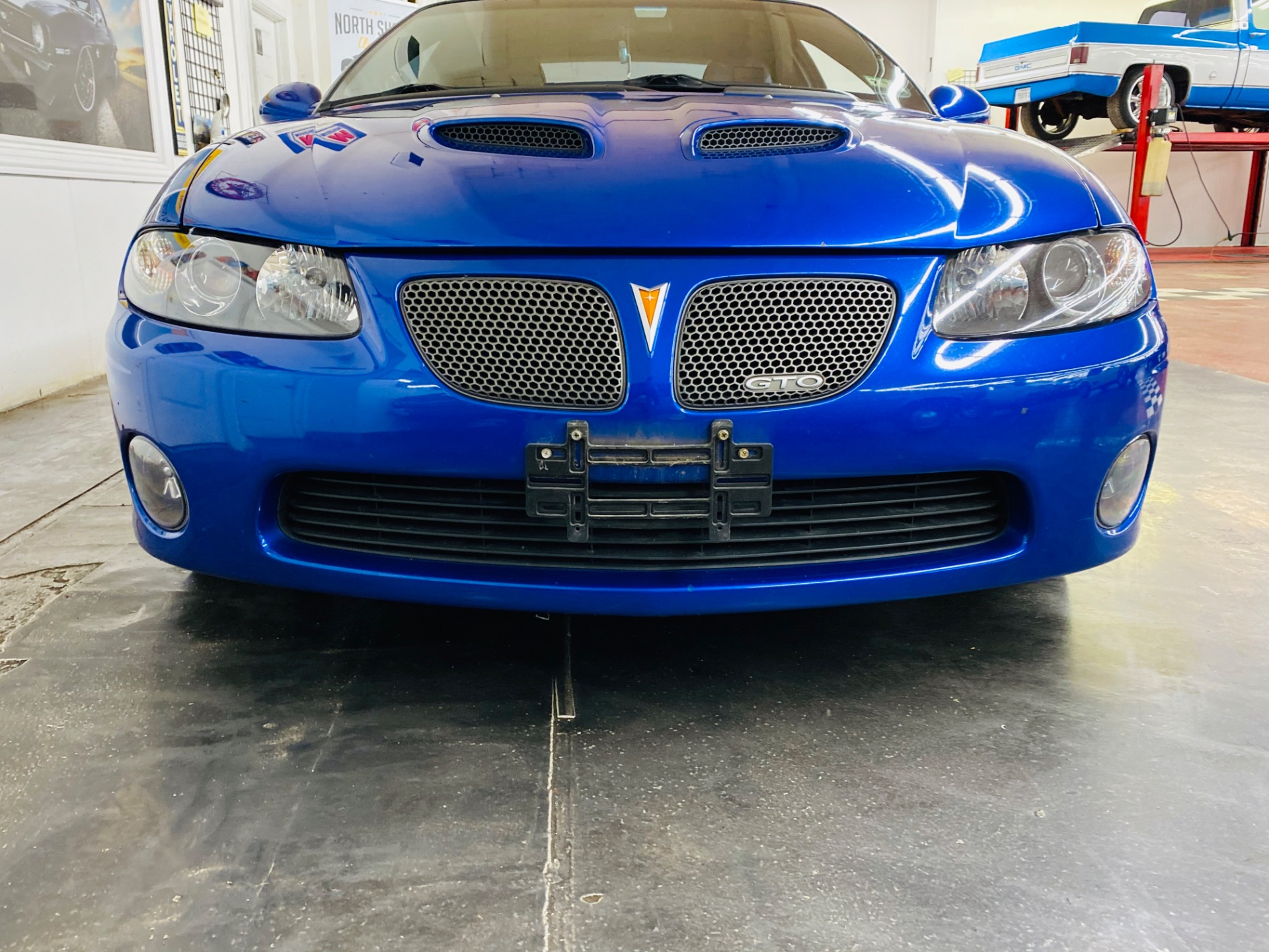 Used 2006 Pontiac GTO -6.0L ENGINE - 6 SPEED MANUAL TRANS - LOW MILES - | Mundelein, IL