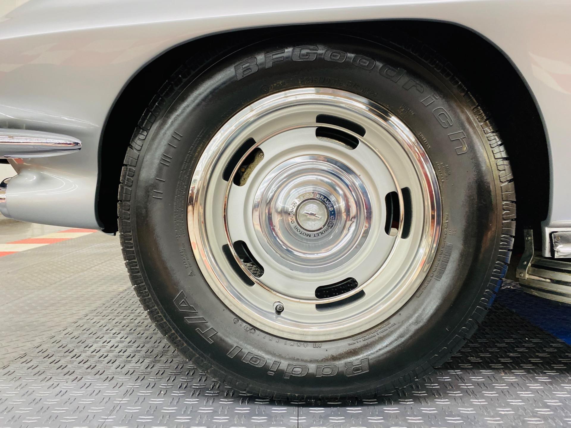 Used 1967 Chevrolet Corvette - TWO TOP CONVERTIBLE - TRI POWER 427 - TANK STICKER - SEE VIDEO | Mundelein, IL