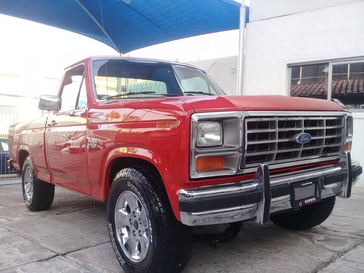 Used 1983 Ford F250 -COMPLETE RESTORATION - RUST FREE TRUCK - SHOW READY - | Mundelein, IL
