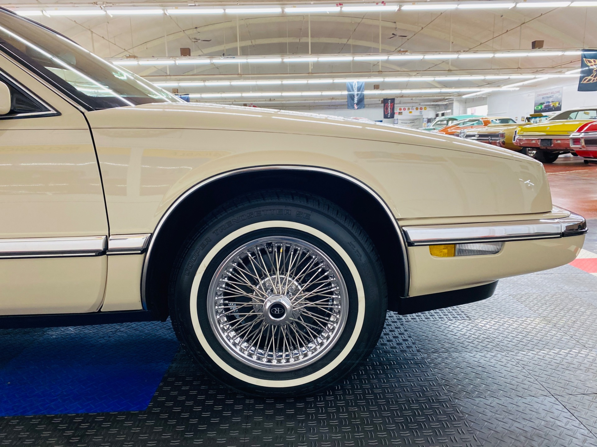 Used 1992 Buick Riviera - LIKE NEW CONDITION - FULL SERVICE RECORDS - SUPER CLEAN - SEE VIDEO - | Mundelein, IL