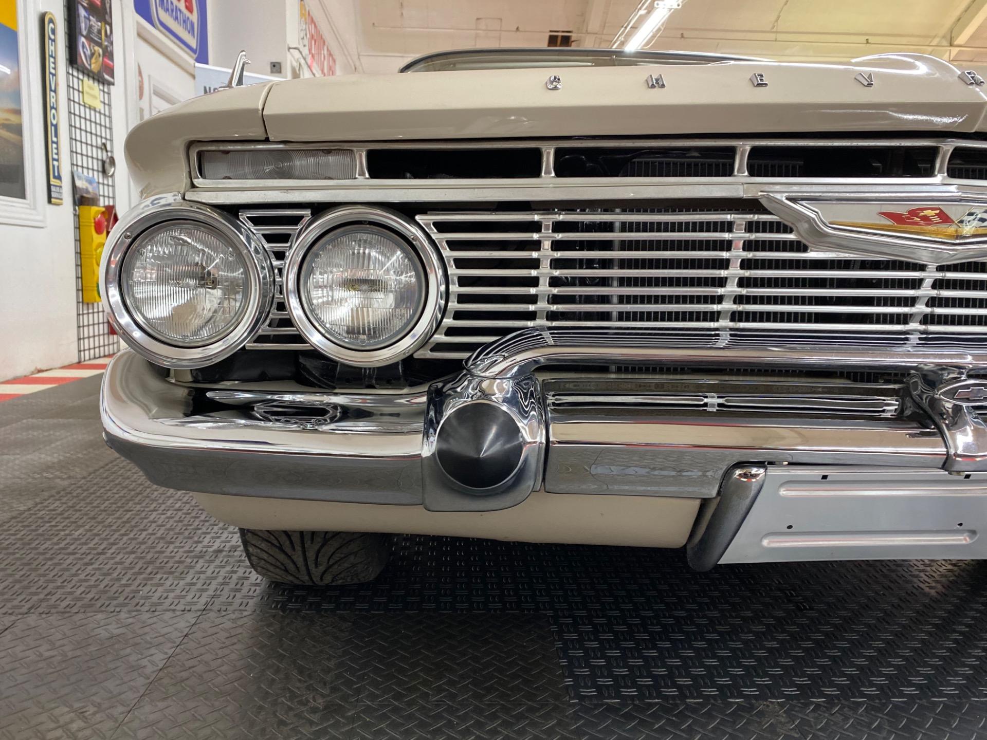 Used 1961 Chevrolet Impala - BUBBLE TOP RESTO MOD - 383 STROKER - SEE VIDEO | Mundelein, IL