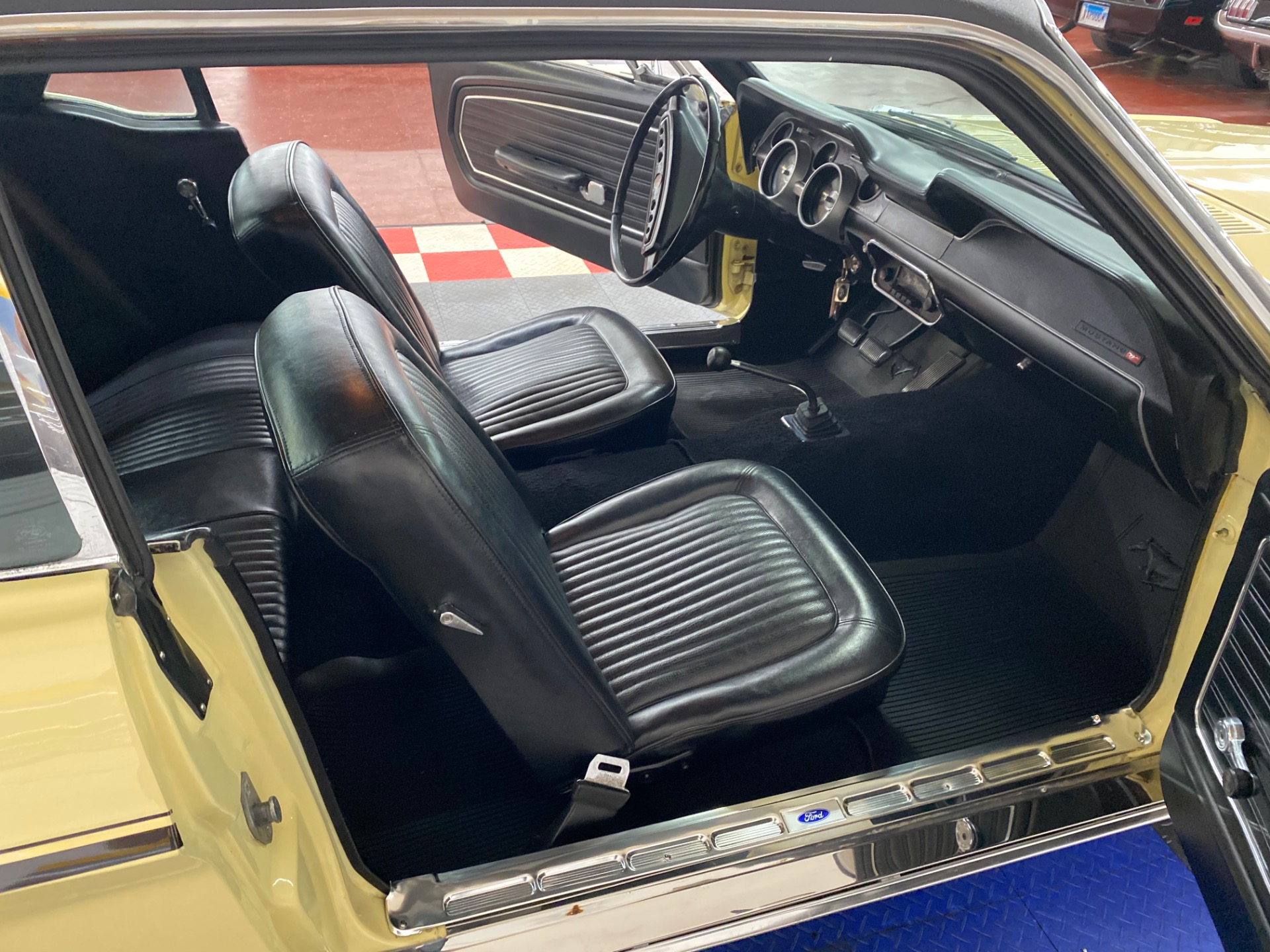 Used 1968 Ford Mustang -COUPE - MANUAL TRANS - CLEAN BODY - SEE VIDEO - | Mundelein, IL