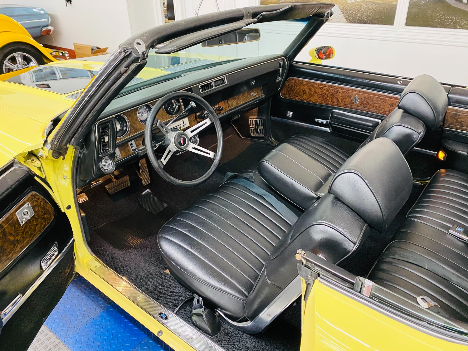 Used 1970 Oldsmobile Cutlass - CONVERTIBLE - GREAT CRUISER - SEE VIDEO - | Mundelein, IL