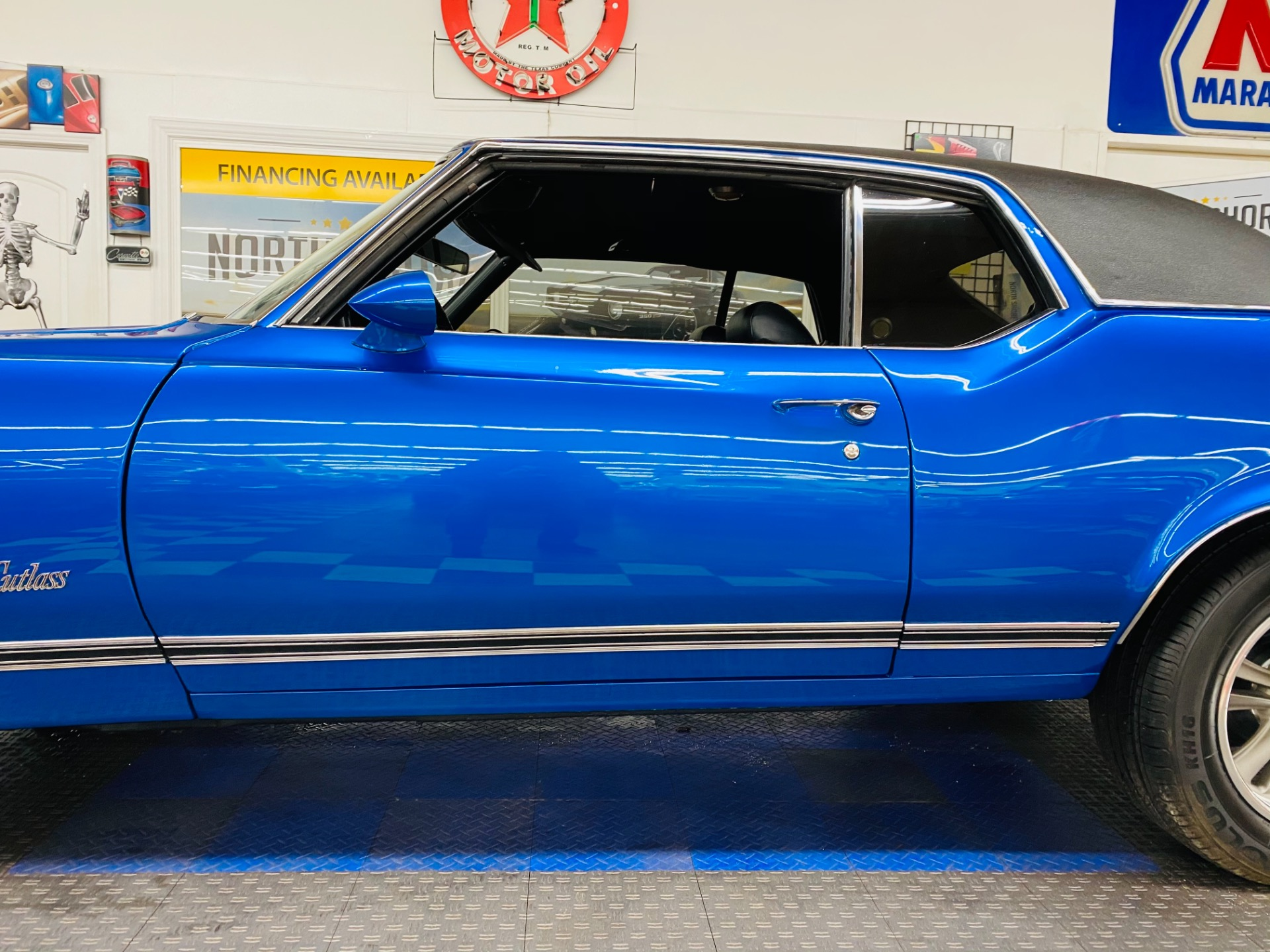 Used 1970 Oldsmobile Cutlass - HIGH QUALITY PAINT - VERY CLEAN BODY - SEE VIDEO | Mundelein, IL