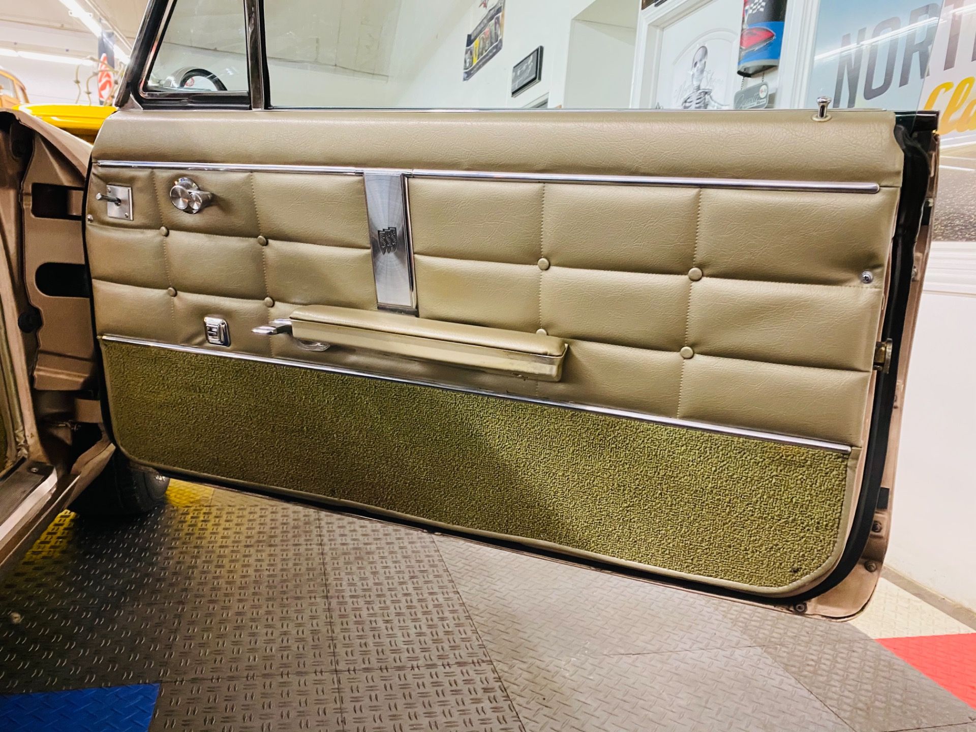 Used 1964 Buick Riviera - 425 WILDCAT ENGINE - HIGH QUALITY RESTORATION - SEE VIDEO | Mundelein, IL