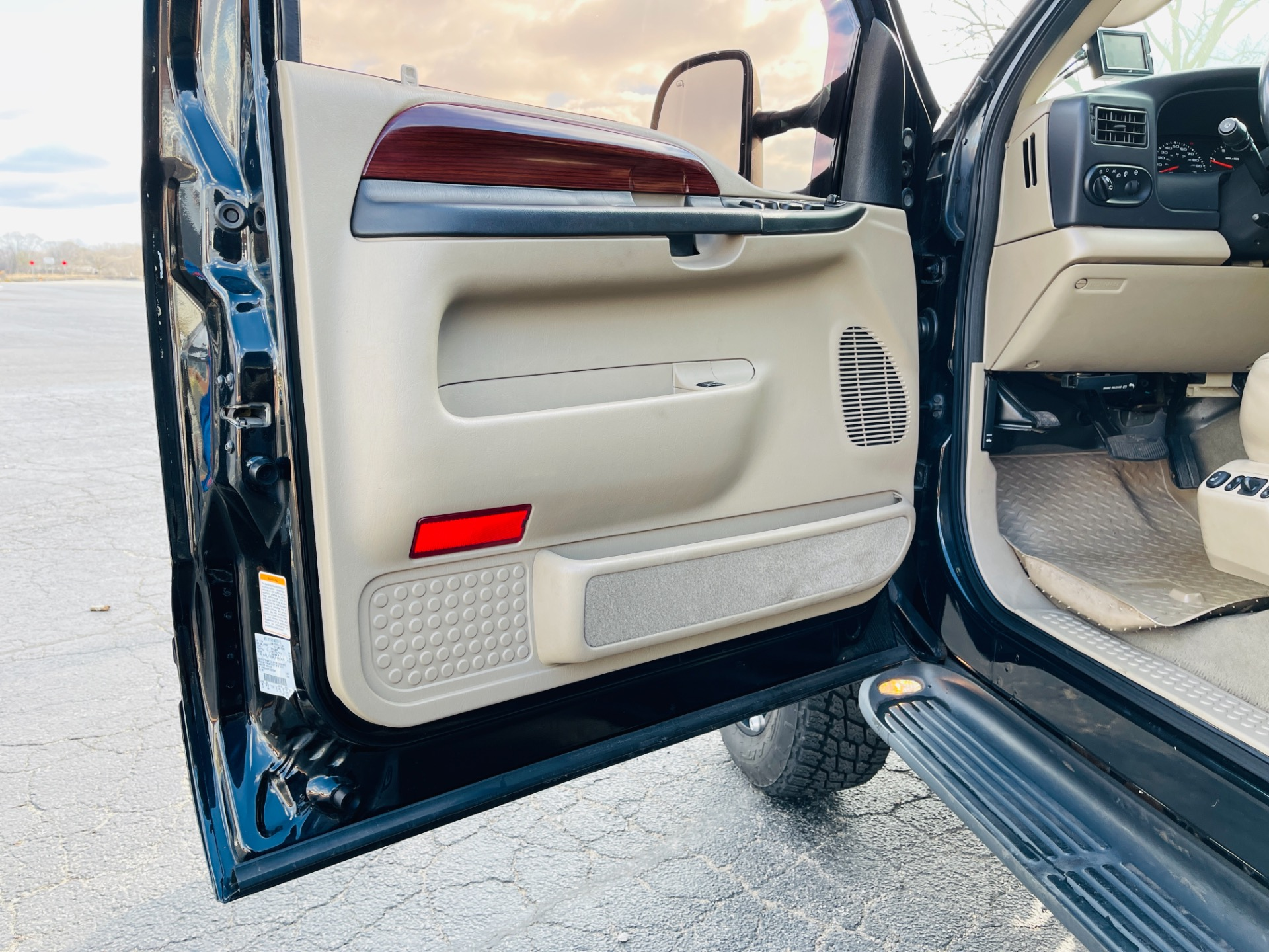 Used 2005 Ford Excursion Limited | Mundelein, IL