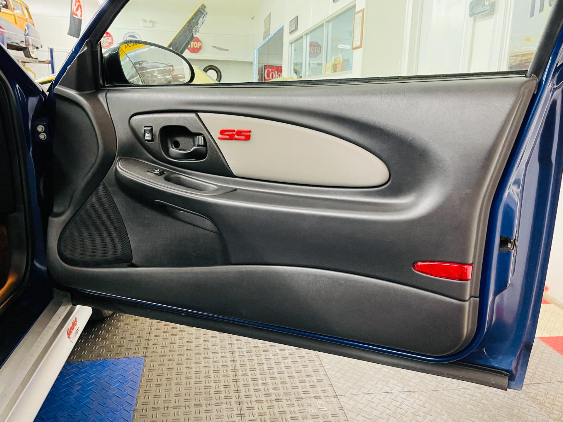 Used 2003 Chevrolet Monte Carlo - SUPER SPORT - JEFF GORDON EDITION - LOW MILES - SEE VIDEO   Mundelein, IL