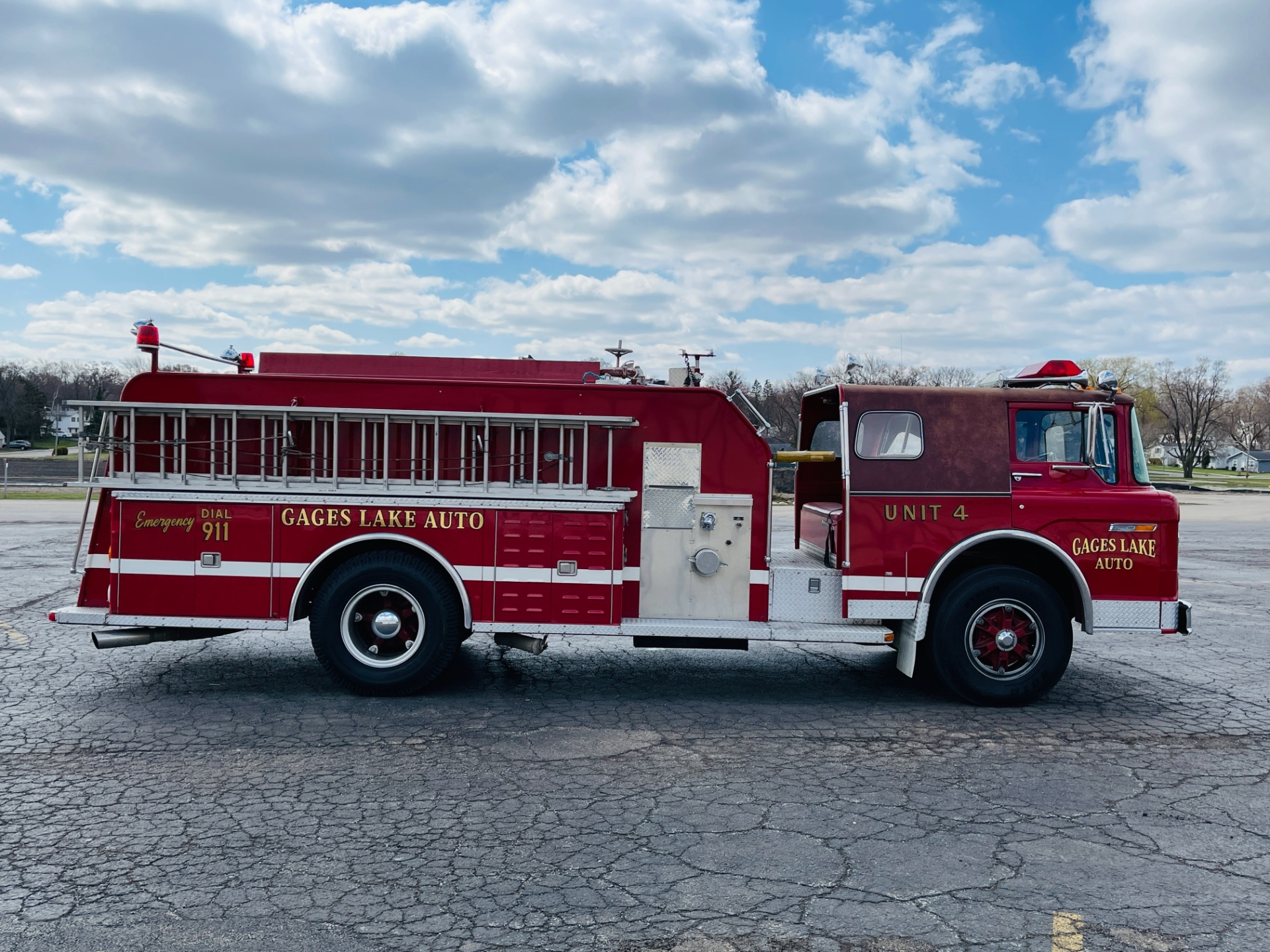 Used 1982 Ford 8000 - FIRE ENGINE - VERY GOOD ORIGINAL CONDITION - SEE VIDEO - | Mundelein, IL
