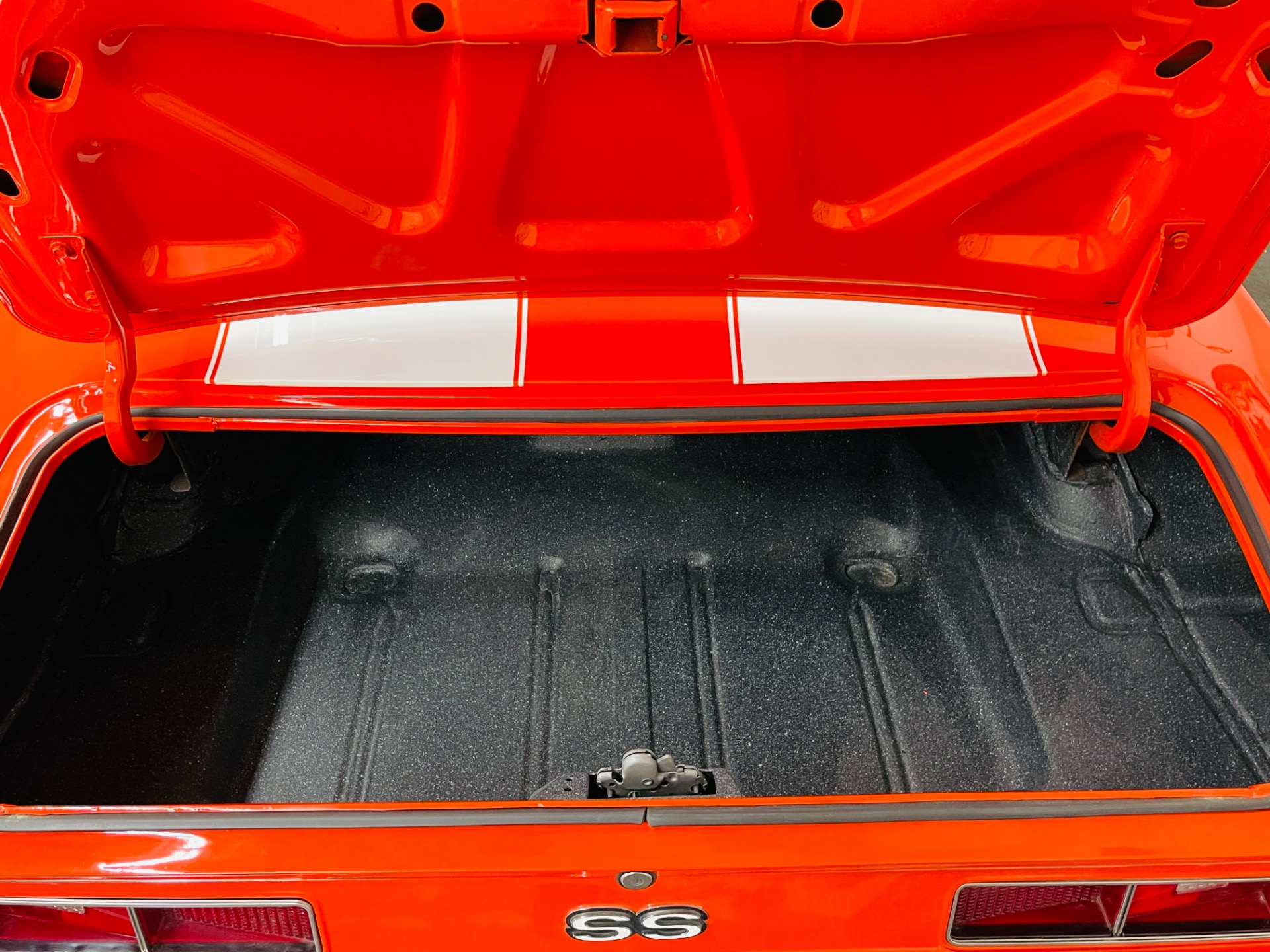Used 1969 Chevrolet Camaro - SS 350 - HUGGER ORANGE - HOUNDSTOOTH INTERIOR - SEE VIDEO - | Mundelein, IL