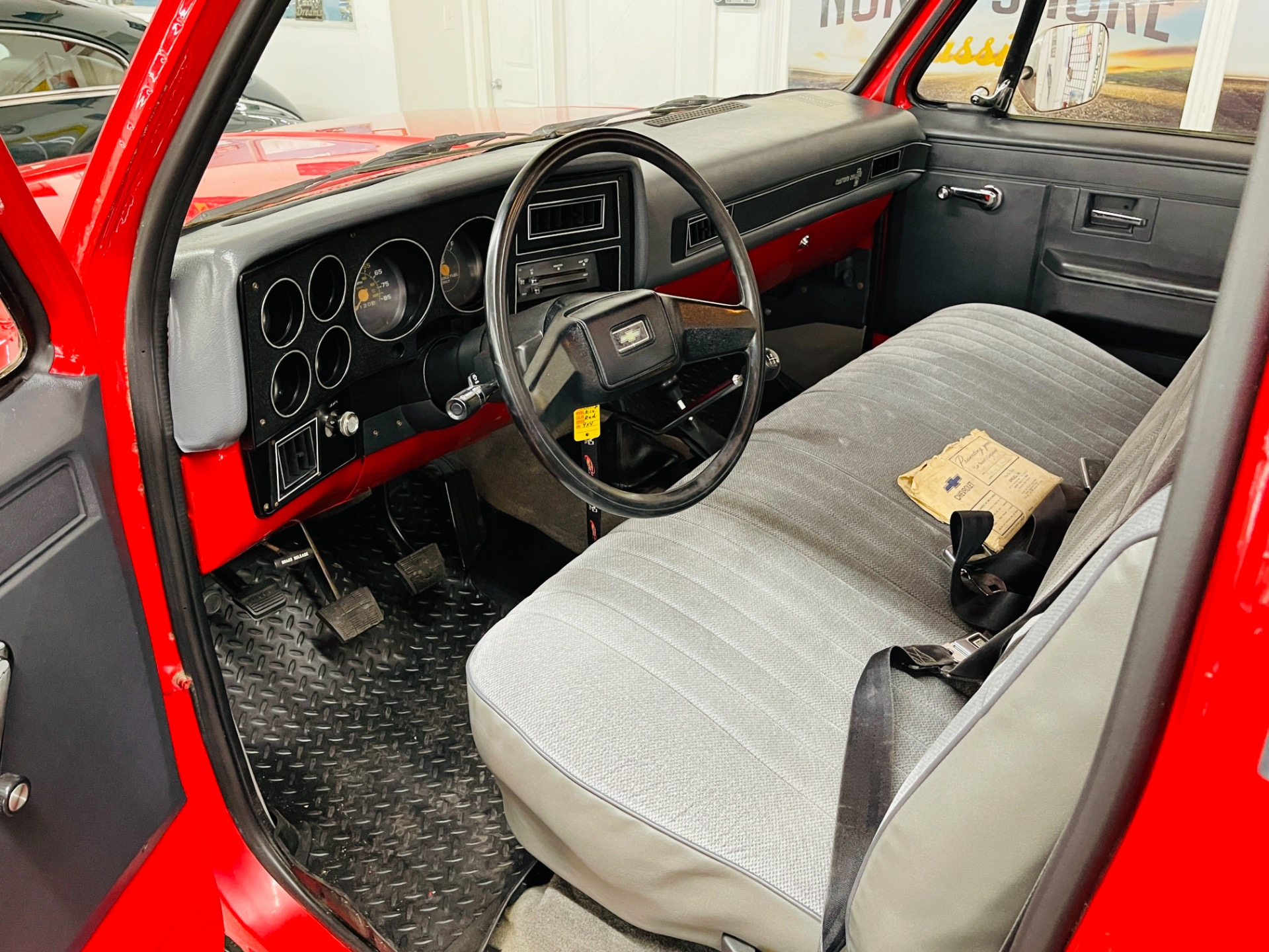 Used 1986 Chevrolet C/K 10 Series - 4 SPEED MANUAL - 4X4 - CLEAN SOUTHERN TRUCK - SEE VIDEO - | Mundelein, IL