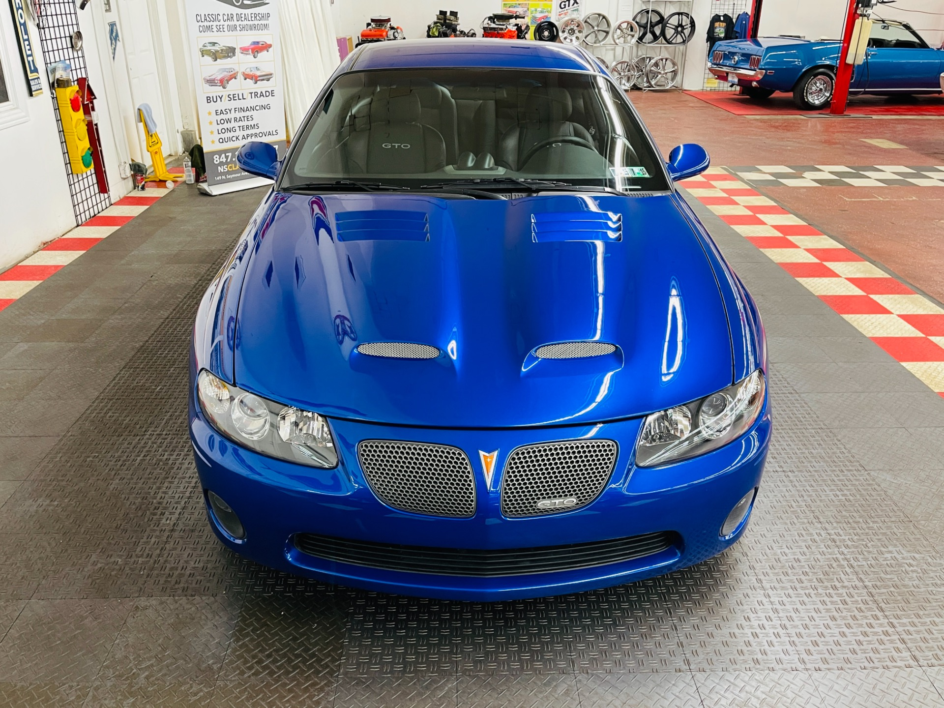 Used 2005 Pontiac GTO - SUPER LOW MILES - EXCELLENT CONDITION - SEE VIDEO | Mundelein, IL