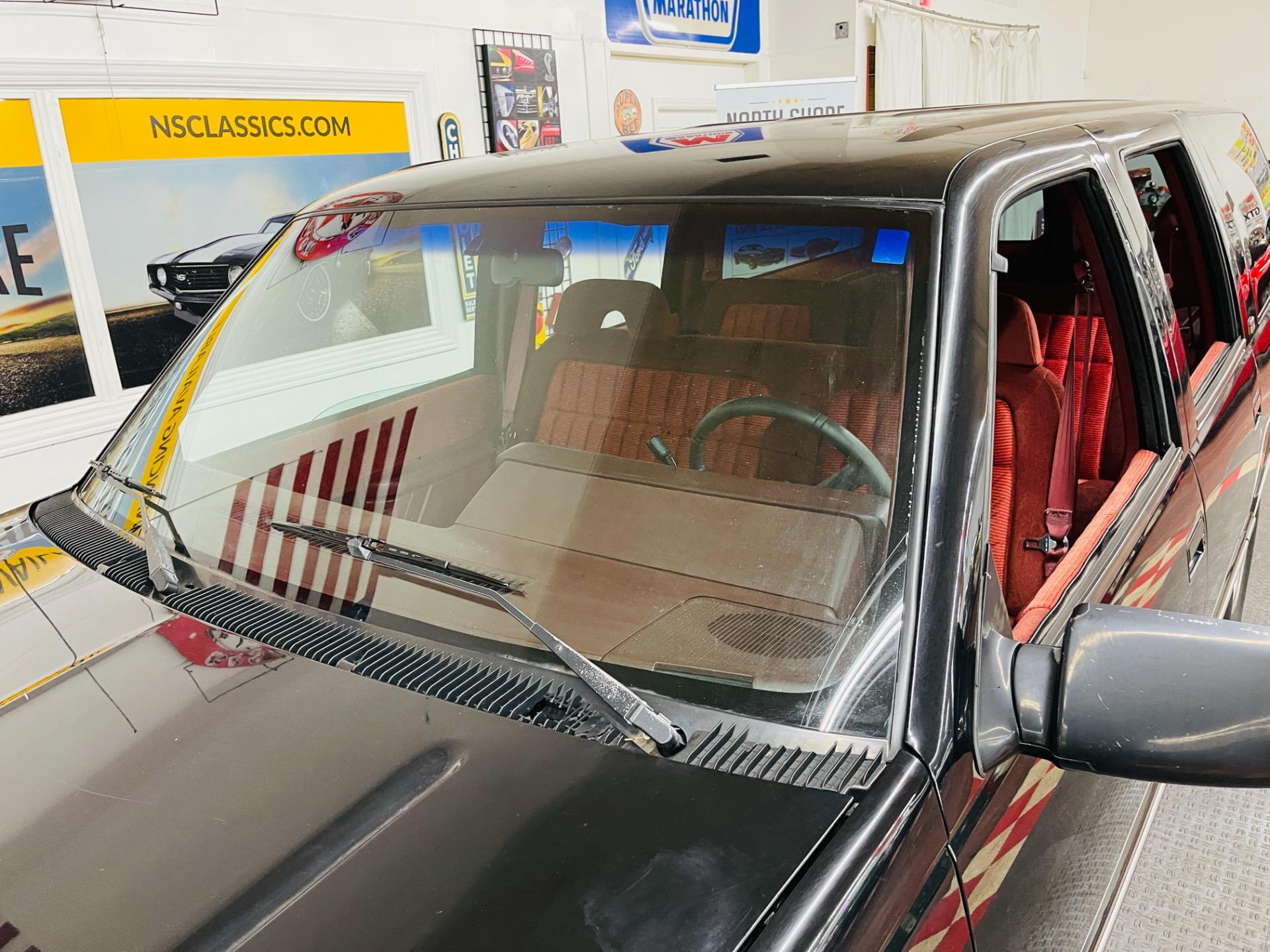Used 1994 Chevrolet Suburban C1500 - SEE VIDEO   Mundelein, IL