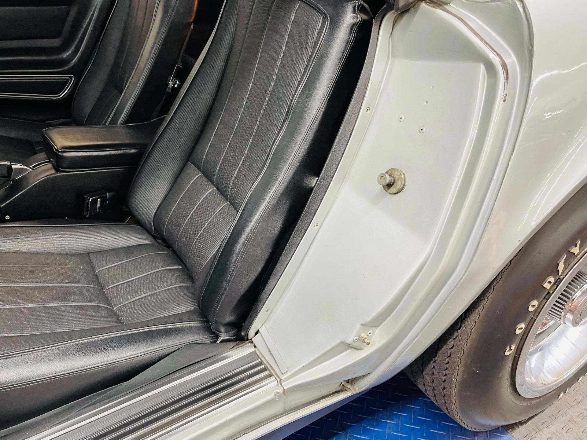 Used 1969 Chevrolet Corvette - ORIGINAL PAINT SURVIVOR - ONE OWNER - SEE VIDEO   Mundelein, IL